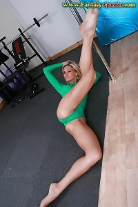 Good-looking Milena Presents Her Green Spandex Costume Covered Flawless Body