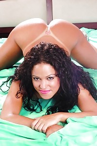 Feisty Latina Pantera Exhibits Her Booty Cheeks Wide As She Pumps Her Cunt With A Giant Cock