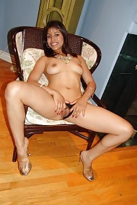 Fantastic Indian Cocotte Mehla Stretching Her Hairy Cunt And Cram It With A Boner Hard Dick